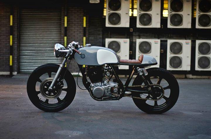 Yamaha SR500 Cafe Racer Type 2 - Auto Fabrica
