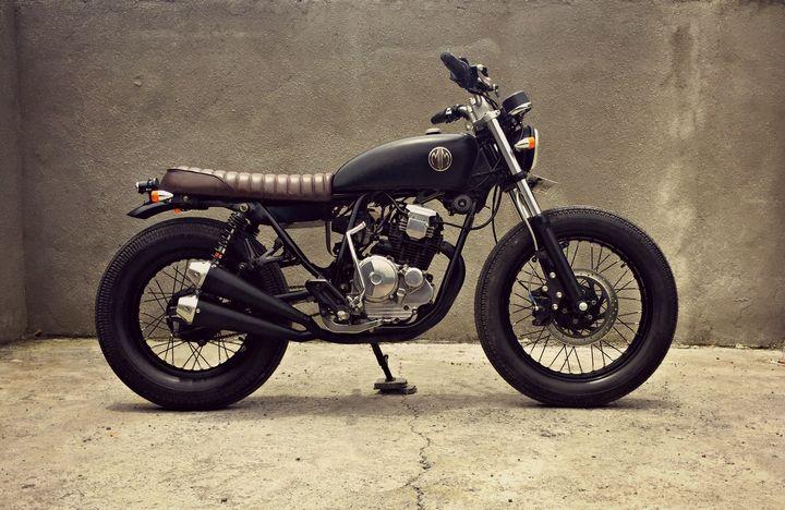 Yamaha Scorpio 225 Brat Style – MalaMadre Motorcycles