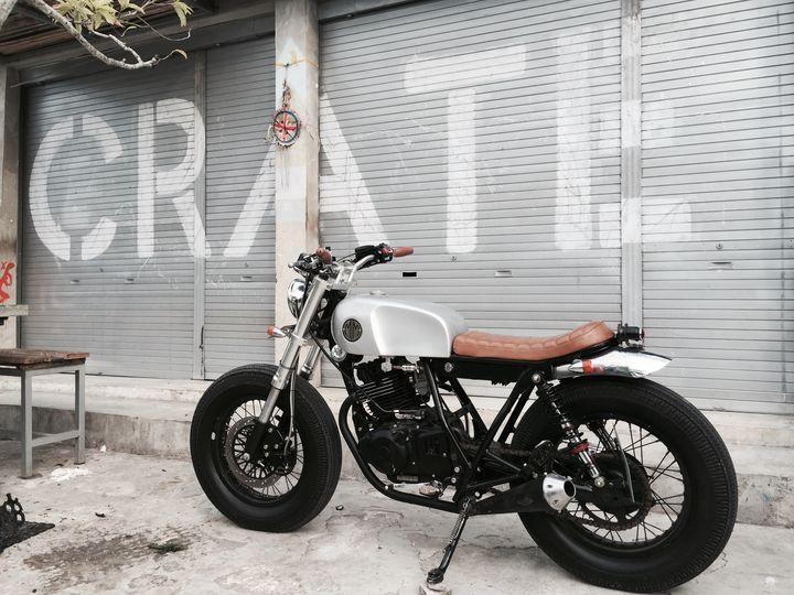 suzuki-thunder-250-brat-style-malamadre-motorcycles-3