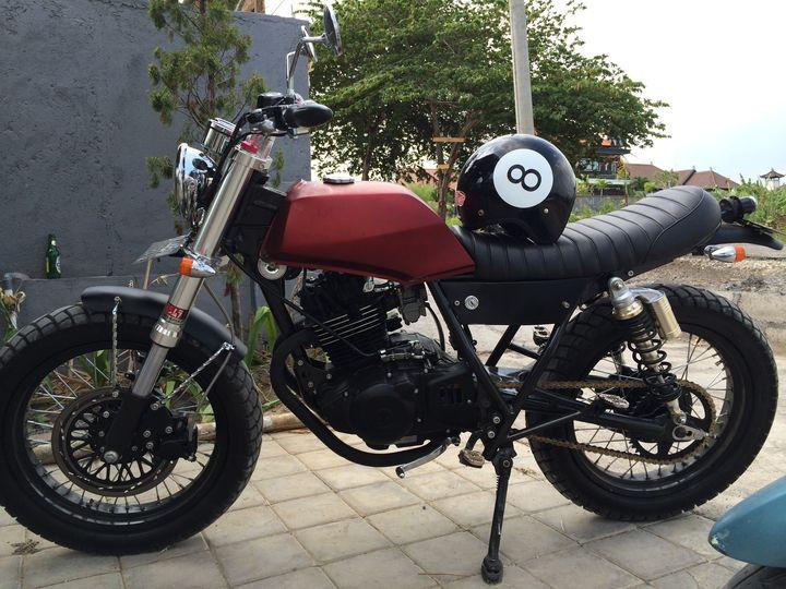suzuki-thunder-250-brat-style-malamadre-motorcycles-31
