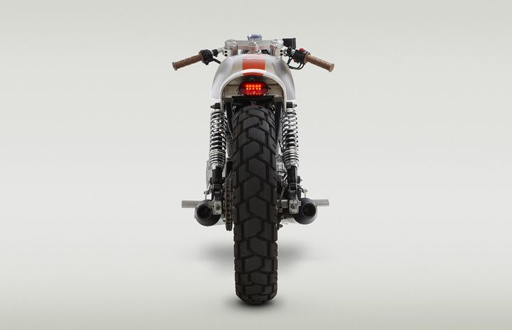 Honda CB250 Cafe Racer Pentagon by Classified Moto