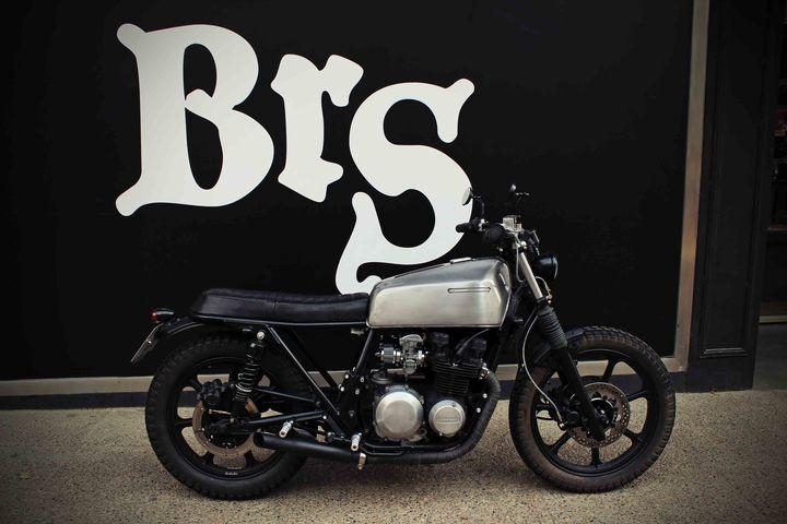 Kawasaki KZ550D Brat Style ''Kabusha'' by David & Jesús