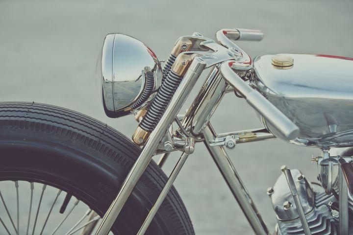 Royal Enfield Bobber The Musket by Hazan Motorworks