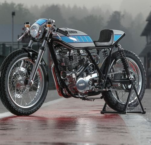 Yamaha SR400 Cafe Racer by Krugger Motorcycles