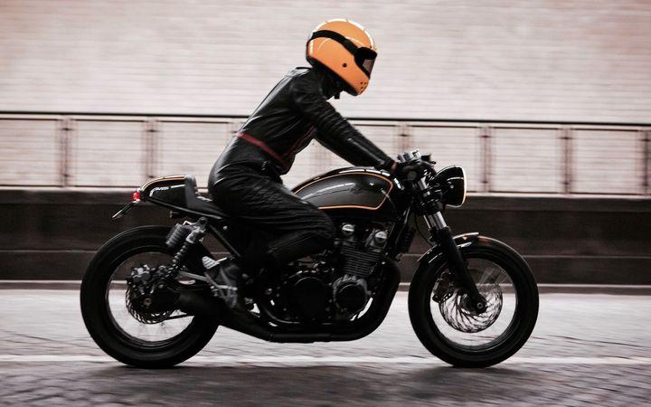 Kawasaki Zephyr 750 Cafe Racer by Ton-Up Garage