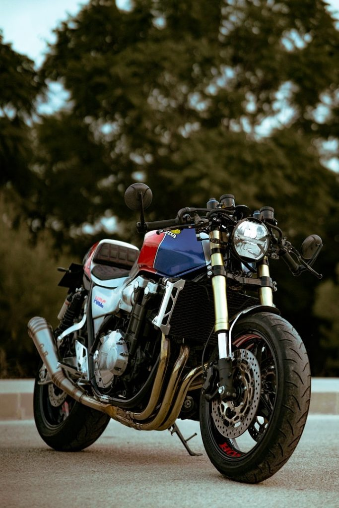 Honda CB1300 transformada a Cafe Racer